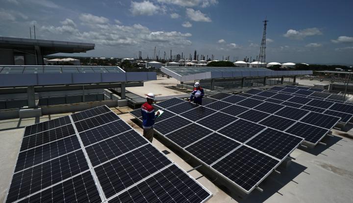 Foto Berita Investasi Panel Surya, Chandra Asri Gandeng Total Solar Hasilkan Energi Terbarukan