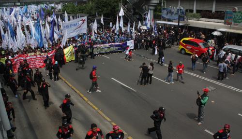 Foto Buruh Pelabuhan Tanjung Priok Bakal Demo Besar-Besaran, Manajemen Kelabakan?