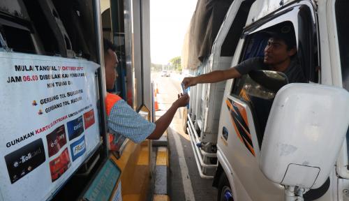 Foto Jokowi Minta Akhir Maret Tarif Tol Angkutan Logistik Turun
