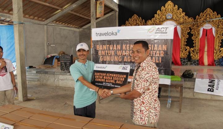 Foto Berita Traveloka Salurkan Bantuan untuk Warga Gunung Agung