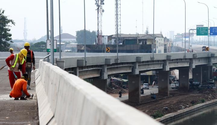 Foto Berita MSJ Tuntaskan Pengangkatan Box Girder Terakhir Proyek Tol BORR Seksi II B