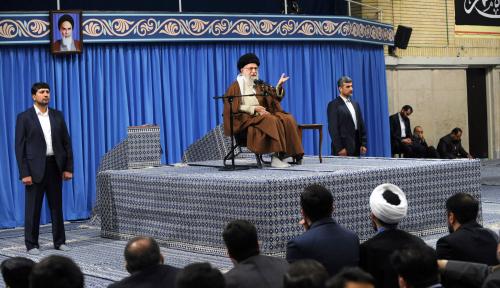 Foto Ini Peringatan Pemimpin Iran Kepada AS