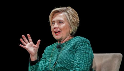 Foto Hillary Clinton Tuding Inggris Pembohong