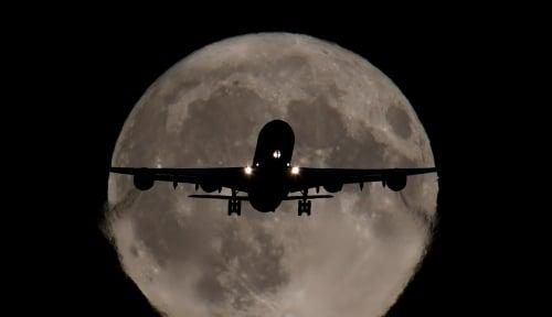 Foto Harga Tiket Pesawat Mahal, YLKI: Harus Turun Semurah Mungkin