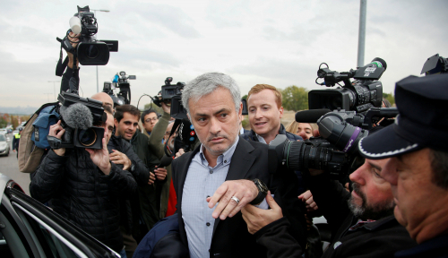 Foto Mourinho Bakal Latih Klub Superkaya PSG?