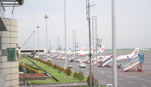 Foto Pemudik Bandara El Tari Kupang Naik 10%