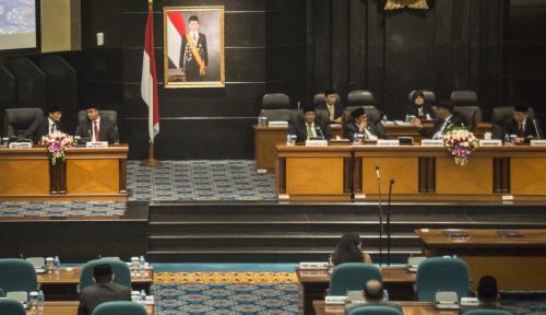 Foto Ketua DPRD Ngamuk ke Anak Buah Anies, Sampai Gebrak Meja Bos!