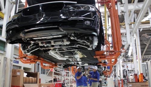 Foto BMW Perluas Penarikan Mobil di Inggris Karena Risiko Kebakaran