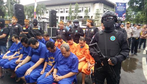 Foto BNN Ringkus 2 Pengedar Sabu di Jayapura