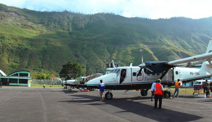 Foto Berita Arus Balik Libur Nataru di Bandara Biak Ramai Lancar