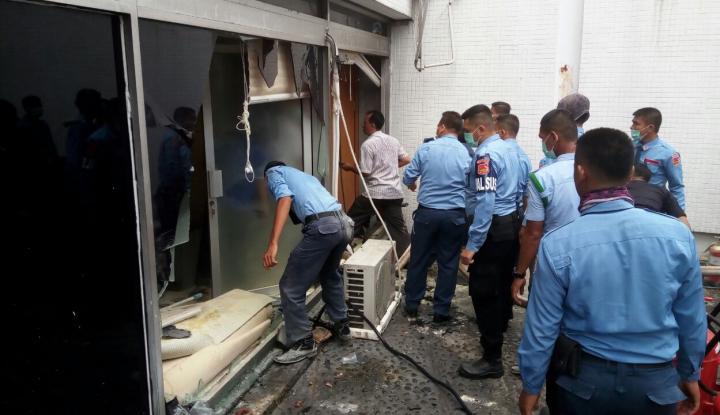 Foto Berita Kebakaran di Gedung DPR Gara-gara AC