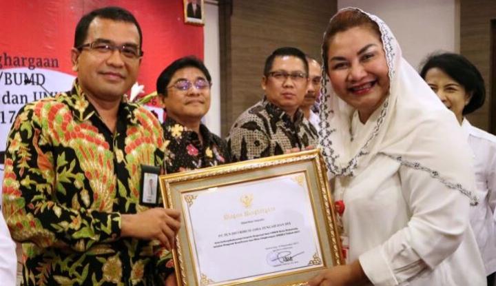 Foto Berita Dukung Koperasi dan UMKM, PLN Raih Penghargaan Pemkot Semarang