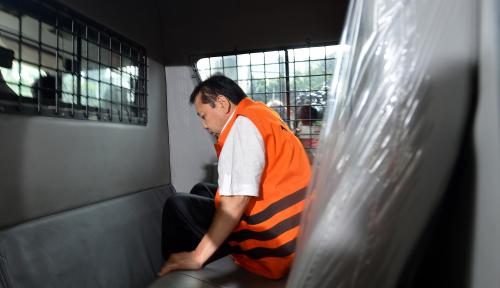 Foto Hakim Buka Sidang Dakwaan, Praperadilan Novanto Otomatis Langsung Gugur