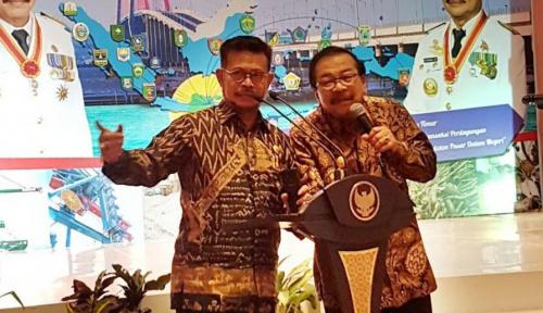 Foto Pakde Karwo Gantikan Syahrul Limpo Pimpin APPSI