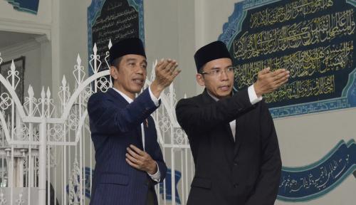 Foto Presiden Jokowi Akui Belum Terima Surat 'Resign' Khofifah