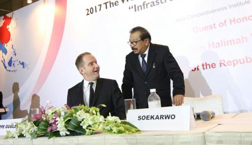 Foto Pakde Karwo Siap Pasang Badan untuk Investor