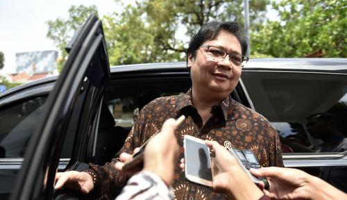 Foto Airlangga Siap Gantikan Setnov, Tapi...