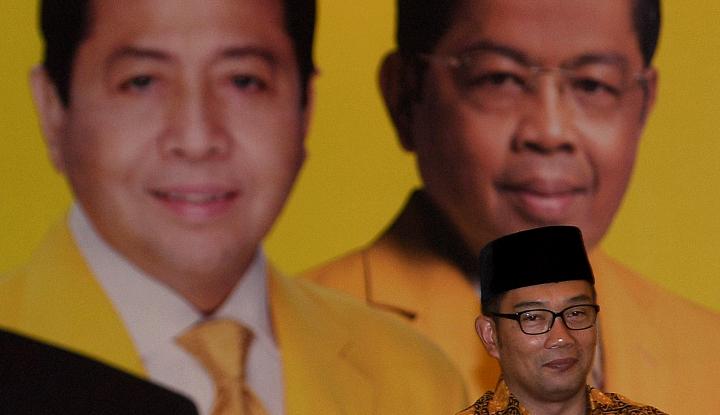Foto Berita Viral, Black Campaign Kang Emil Akrab dengan Papa Novanto