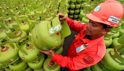 Foto Tak Tanggung-Tanggung, Pertamina Tambah Pasokan LPG 3 Kg di Wilayah Bekasi Hingga 1 Juta Tabung
