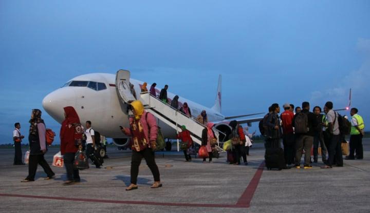 Foto Berita Musim Liburan, Pesawat Lion Air Full
