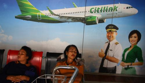 Foto Aktivitas Vulkanik Gunung Agung, Citilink Batalkan Penerbangan Dari & Menuju Bali