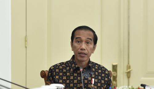 Foto Warganet Buat #radioguemati, Jokowi: Emang Enak