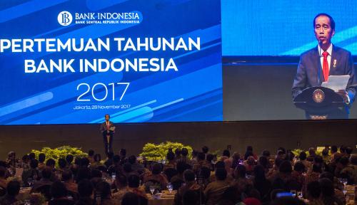Foto Jokowi Kembali Bantah Kalau Daya Beli Masyarakat Menurun, Ini Alasannya...