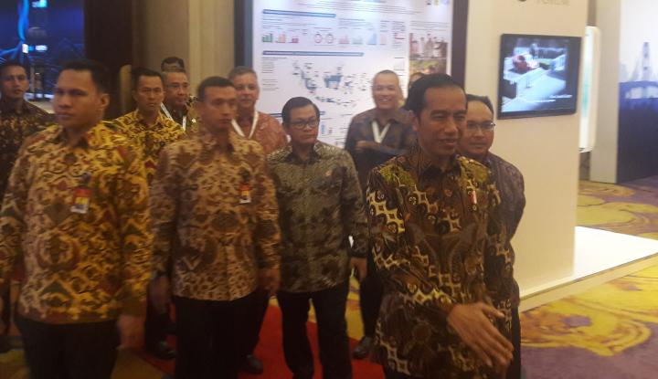 Foto Berita Di Hadapan 100 CEO, Jokowi Klaim Ekonomi Telah Banyak Kemajuan