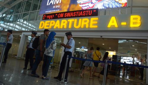 Foto Penerbangan dari Bali ke Luar Negeri Meningkat