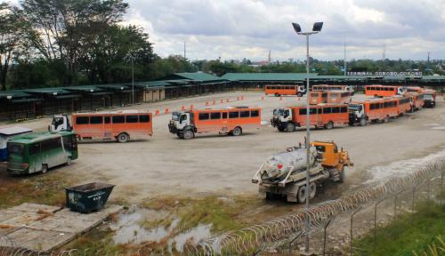 Foto Konvoi Trailer Freeport Indonesia Ditembak di Tembagapura