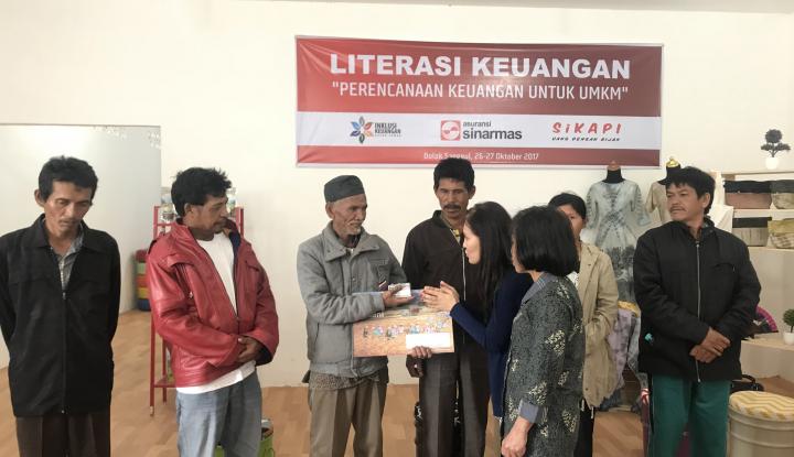 Foto Berita Asuransi Sinar Mas Lakukan Literasi Keuangan di Padang