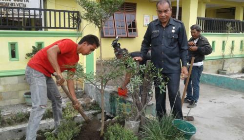 Foto Dukung Go Green di Medan, Wiraland Tanam 10.000 Pohon