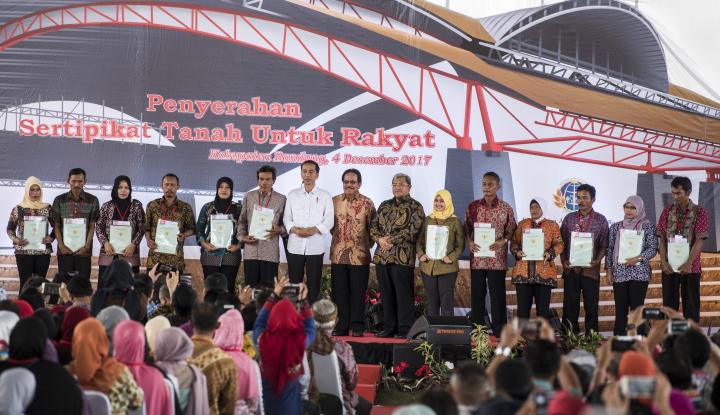 Resmikan Tol Soroja, Jokowi Minta Segera Terapkan e-Tol - Warta Ekonomi
