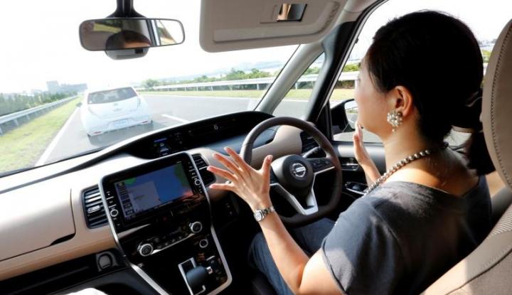 Foto Berita Nissan Targetkan Jual 1 Juta Mobil Listrik di 2022