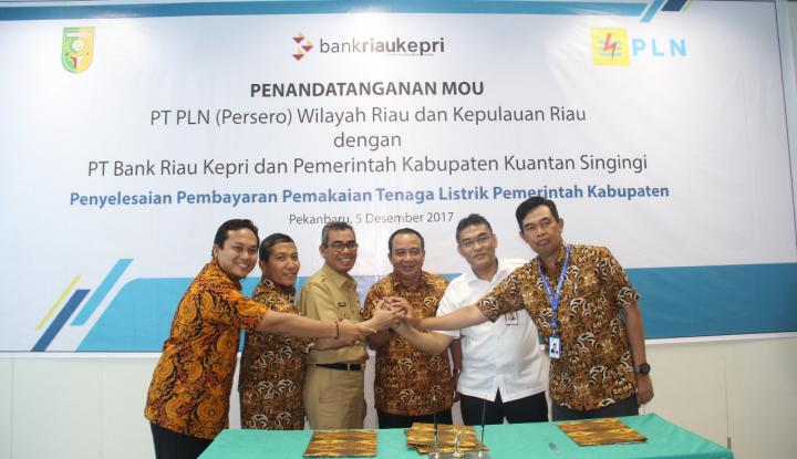 Foto Berita Bank Riau Kepri Dukung Kerja Sama PLN dengan Pemkab Kuantan Singingi