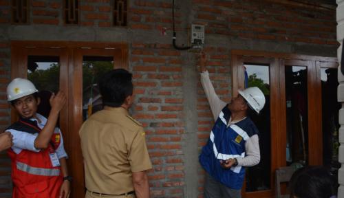 Foto PLN Lakukan Elektrifikasi 19 Desa di Provinsi Riau