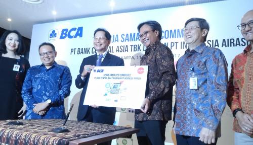 Foto BCA Beri Kemudahan Top Up Travel Agen AirAsia