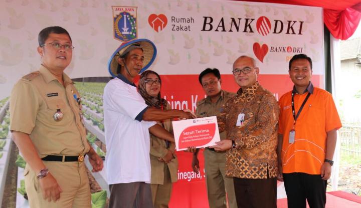Foto Berita Bank DKI Berikan Fasilitas Kebun Hidroponik Rusun Jatinegara Kaum