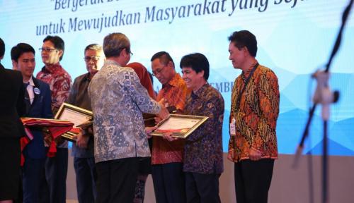 Foto Pupuk Indonesia Raih Penghargaan LHKPN Terbaik 2017