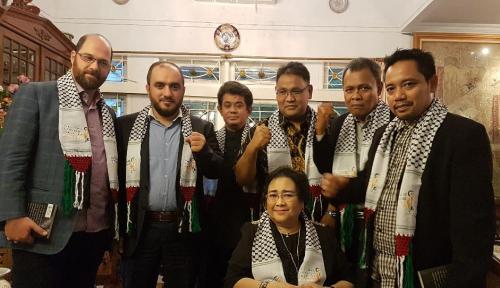 Foto Rachmawati: Musuh Kita Itu Israel, Kaum Nekolim