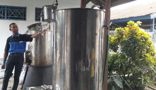 Foto DKP Kota Jayapura Kenalkan Tabung Pembuat Asap Cair
