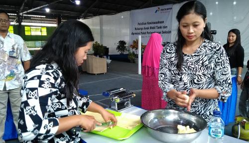 Foto 25 Istri AMT Dilatih Keterampilan untuk Tingkatkan Perekonomian Keluarga