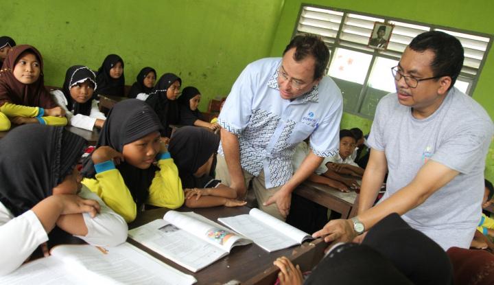 zurich berikan edukasi keuangan untuk anak sekolah di tangerang