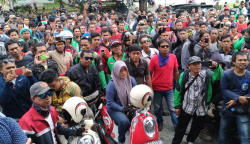Foto Driver Online di Kaltim Protes Kebijakan Aplikator