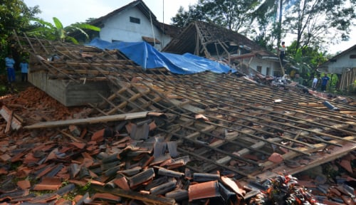 Foto Sebanyak 668 Rumah Rusak Akibat Gempa Tasikmalaya