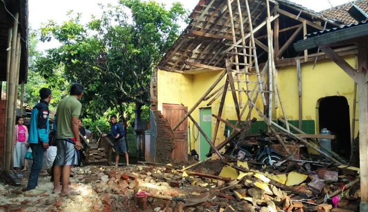 Foto Berita Puluhan Bangunan di Ciamis Rusak Berat Akibat Gempa