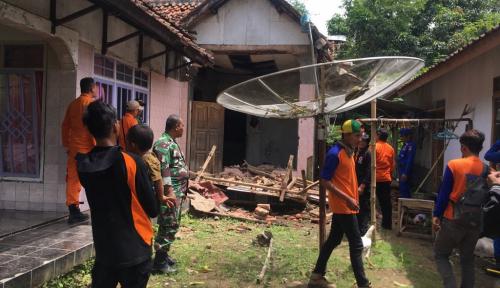 Foto BPBD Mataram Lakukan Pendataan Dampak Gempa 6,4 SR