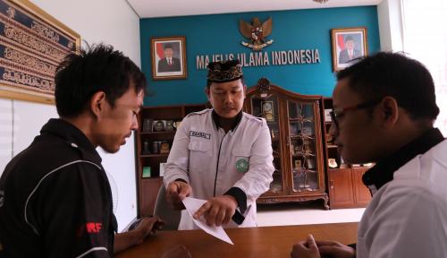 Foto Ustad Pelaku Kampanye Hitam ke Jokowi Ternyata Pakai Rujukan Video Wasekjen MUI