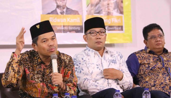 Foto Berita Dedi Mulyadi-Ridwan Kamil Juara di Media Indonesia