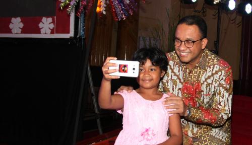 Foto Anies Akan Bagikan Masker Gratis ke Warga